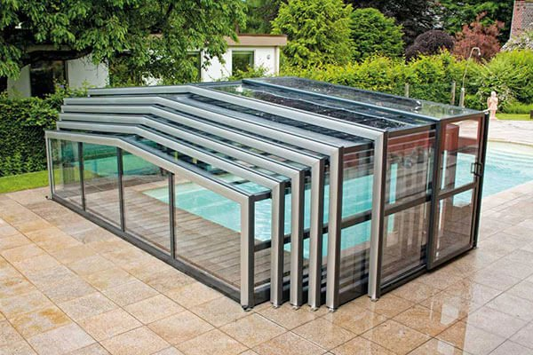 Swimming pool enclosure made from extruded aluminum rectangulat tubing